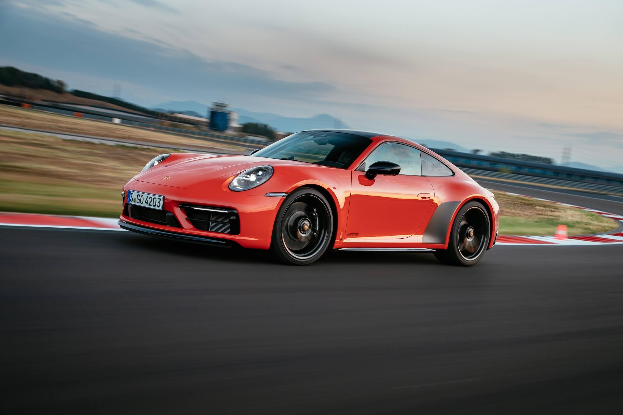 Porsche 911 GTS frente