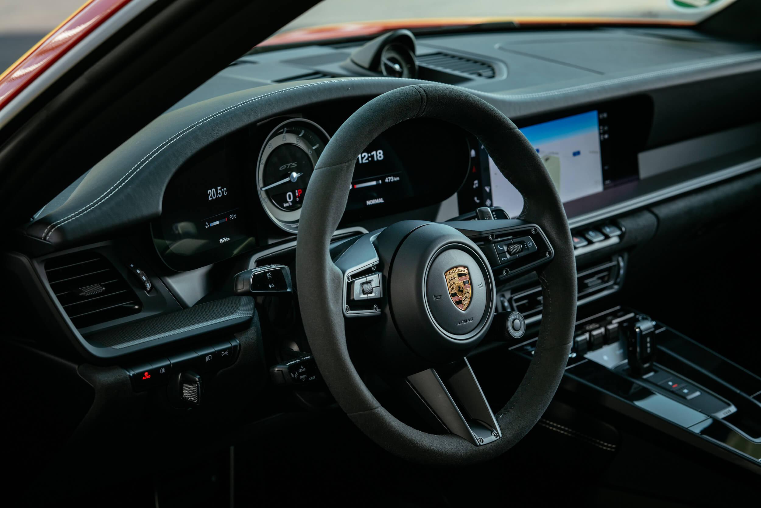 Porsche 911 GTS volante