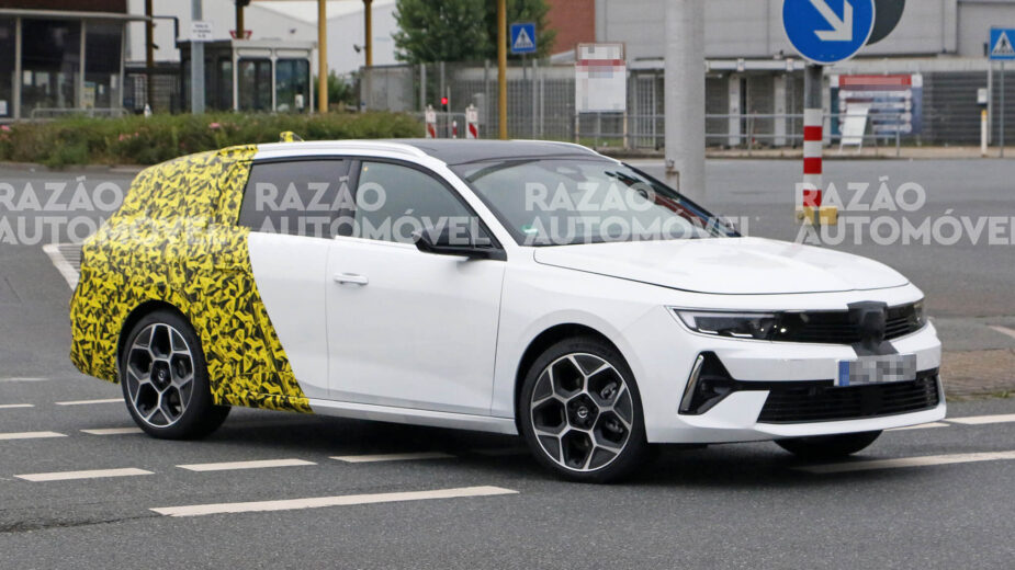 Opel Astra carrinha fotos-espia