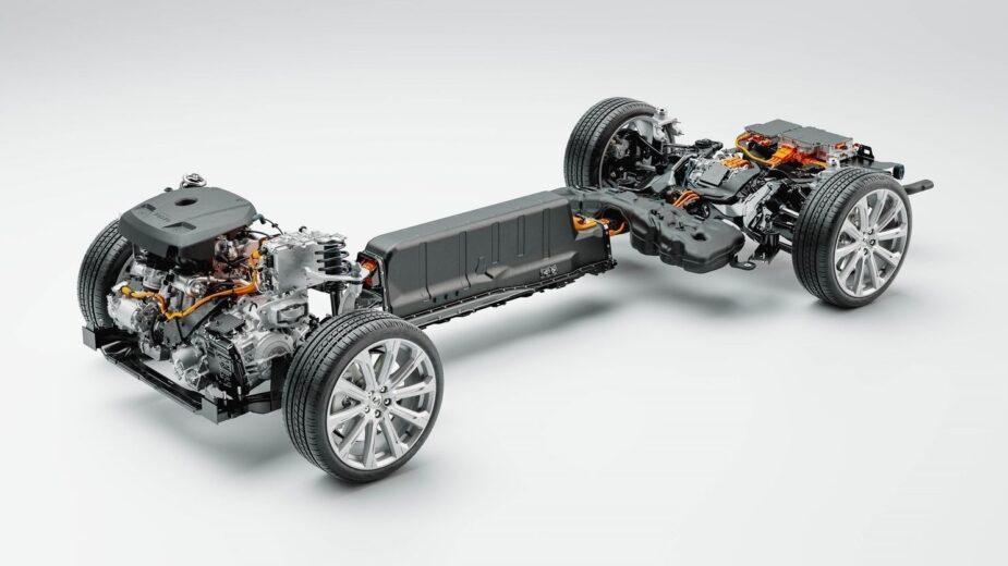 VOLVO Recharge plug-in hybrid powertrain