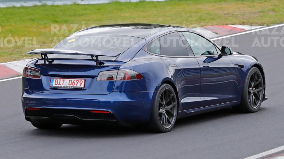 Tesla Model S Plaid +